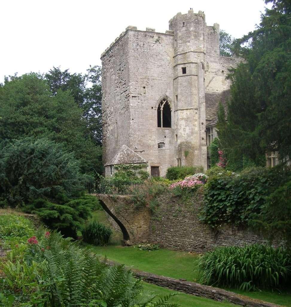 Beverstone Castle