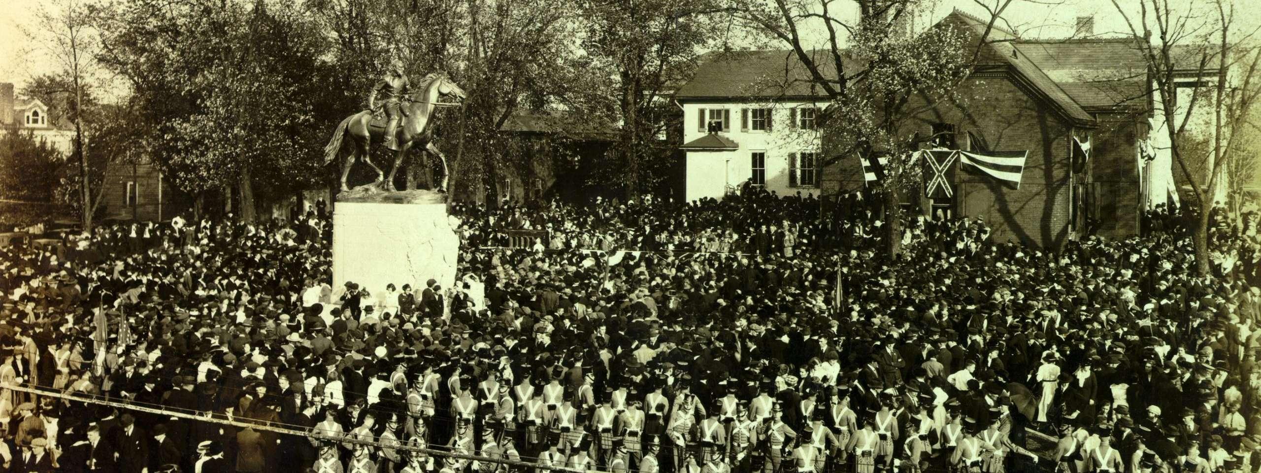 Unveiling the Stonewall Jackson Monument