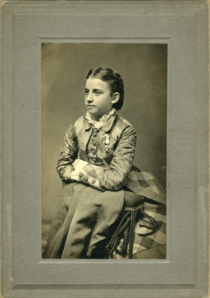 Julia Laura Jackson