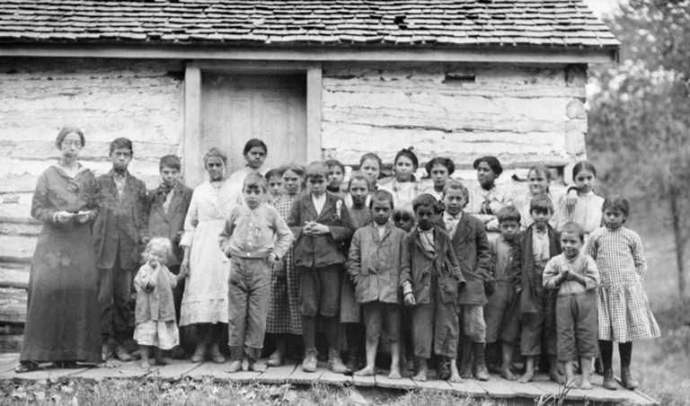 School Group Outside Bear Mountain Indian Mission School